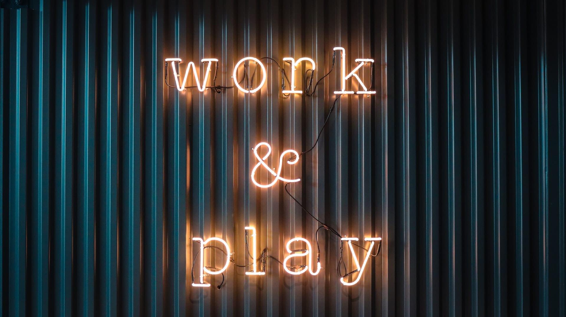 Jouer et travailler